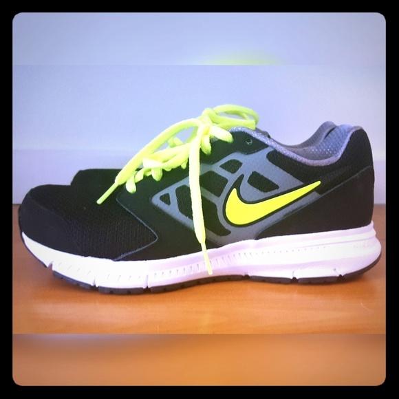 quality design 1ab4e 41cde Nike Downshifter 6 Boys Running Sneaker Womens 6. M 5afb0034a4c4859d3dde116e